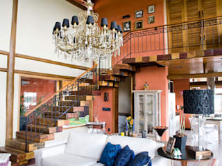 Residência Terras da Barra I: Corredores e halls de entrada  por VERRONI arquitetos associados,Rústico