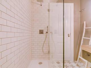 Apartamento Rua Boavista / Lisboa - Apartment in Rua Boavista / Lisbon Casas de banho modernas por Ivo Santos Multimédia Moderno