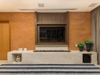 Salas multimedia de estilo moderno de Charis Guernieri Arquitetura Moderno