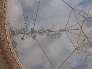 Soffitto dipinto a cielo Colori nel Tempo - decorazioni pittoriche Soggiorno moderno Blu