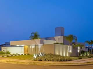 de Charis Guernieri Arquitetura Moderno