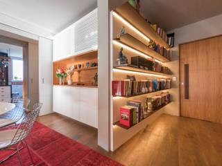 Ingresso & Corridoio in stile  di Espaço Tania Chueke