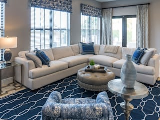 Blue and White Family Room:   by Lux Design Associates