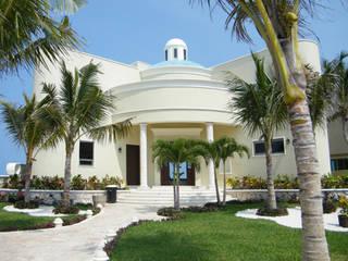 Villas by DHI Arquitectos y Constructores de la Riviera Maya, Eclectic