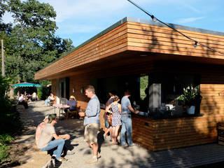 Konzept und Planung Gastronomiebetrieb im Weinberg:  Gastronomie von Resonator Coop Architektur + Design,