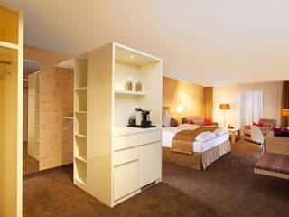 Interior-Design-Welt mit 3.200 qm aufgebauten Ideen von ZiefleKoch Hotel- und Objekteinrichtung, Innenausbau Landhaus