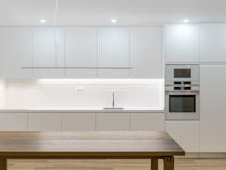 Modern kitchen by Commerzn - Boutique Property Developer Modern