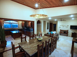 Mediterranean style dining room by DHI Riviera Maya Architects & Contractors Mediterranean