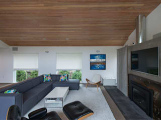 Modern living room by ARCHI-TEXTUAL, PLLC Modern