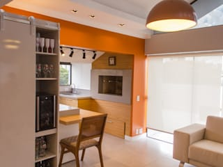 RETROFIT EM COBERTURA: Salas de jantar  por MKummel Arquitetura,Moderno