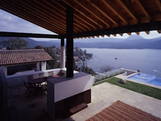 Casa D-P : Terrazas de estilo  por VÁZQUEZ DEL MERCADO - ARQUITECTURA