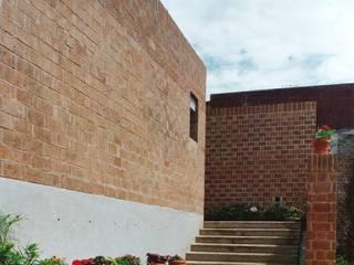 Дома на одну семью в . Автор – VÁZQUEZ DEL MERCADO - ARQUITECTURA, Кантри