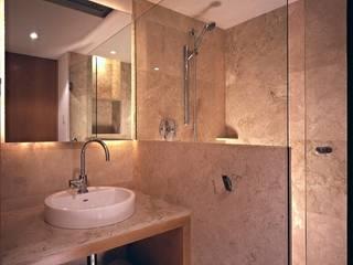 Departamento FM: Baños de estilo  por VÁZQUEZ DEL MERCADO - ARQUITECTURA