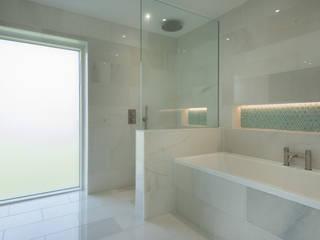 Contemporary Replacement Dwelling, Cubert Phòng tắm phong cách hiện đại bởi Laurence Associates Hiện đại