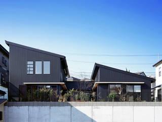 北側外観: 有島忠男設計工房が手掛けた二世帯住宅です。