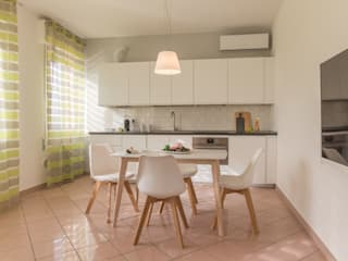 Anna Leone Architetto Home Stager Minimalist dining room