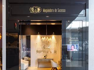 Oficinas y comercios de estilo moderno de Skala Arquitetura e Engenharia Moderno
