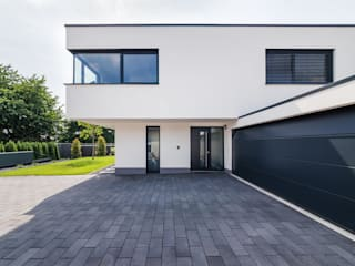 Casas modernas de Helwig Haus und Raum Planungs GmbH Moderno