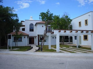 Classic style houses by Arquinplaya Classic