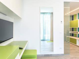 Hotel Tenda Rossa - Suites:  in stile  di Studio di Architettura Daniele Menichini