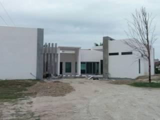 Parte Trasera de Casa: Casas unifamiliares de estilo  por H+A estudio de Arquitectura