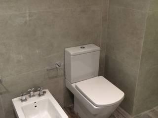Baño Principal. Equipamiento. Baños de estilo moderno de NG Estudio Moderno Cerámico