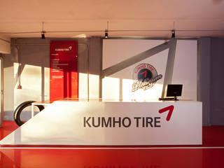 Boutique de Arquitectura (Sonotectura + Refaccionaria) Dealer Mobil Modern