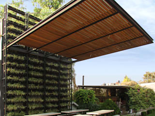 Boutique de Arquitectura (Sonotectura + Refaccionaria) Atap datar
