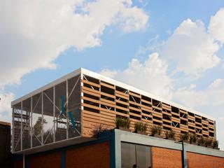 Boutique de Arquitectura (Sonotectura + Refaccionaria) Ruang Makan Modern