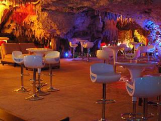 Restaurant Caverna del Alux Cavas rústicas de Arquinplaya Rústico