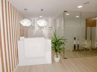 Klinik oleh CARMAN INTERIORISMO, Modern