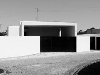 casa JM por HUGO MONTE | ARQUITECTO Moderno