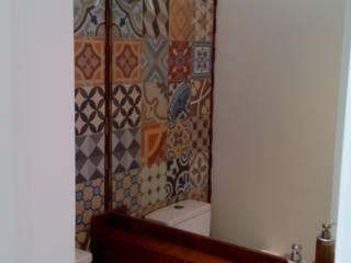 Apartamento residencial Vila Olímpia - Casa do ator - SP: Banheiros  por tsmarquiteto,Moderno