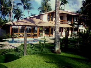 Residencia em Taperapuã. Porto Seguro. Ba: Casas familiares  por Maria Dulce arquitetura,Campestre