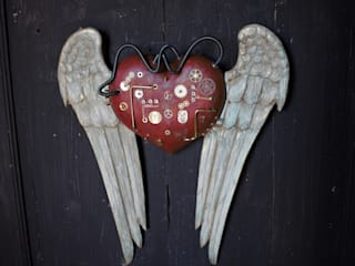 Le ali del cuore:  in stile industriale di Viviano Biagioni, Industrial