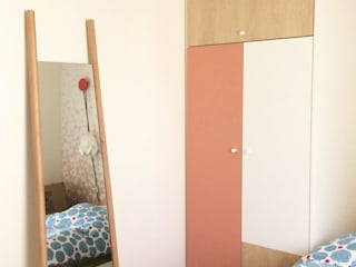 Restructuration d'un appartement Montmartrois par LD&CO.Paris 'La Demoiselle et la Caisse à Outils' Scandinave