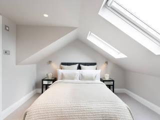 Kensal Green Flat:  Bedroom by London Home Staging Ltd