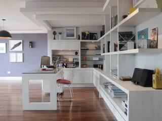 Bureau moderne par MARIA FERNANDA PEREIRA Moderne