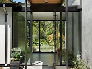 Creekside Residence:  Doors by Feldman Architecture