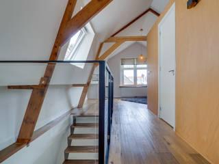Modern Bedroom by CMOarchitect bna Modern