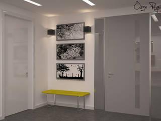 Corridor & hallway by Deniz Gökçe Mimarlık ve İnşaat