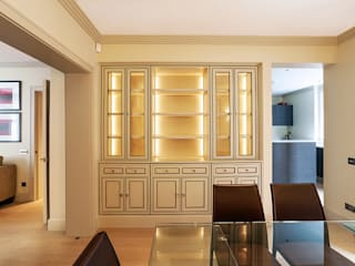 Living Room - Dining area:  Living room by Prestige Architects By Marco Braghiroli