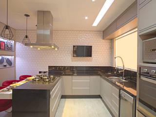 Cocinas de estilo moderno de Natália Sundfeld Arquitetura Moderno