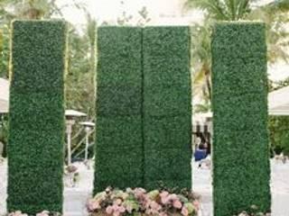 Artificial hedges in Planter Sunwing Industries Ltd Couloir, entrée, escaliersAccessoires & décorations