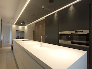 Modern kitchen by Bocetto Interiorismo y Construcción Modern