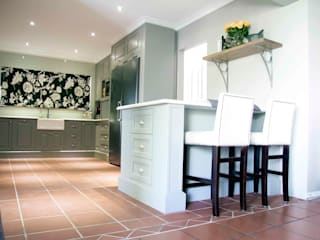 Kitchen by House Couture Interior Design Studio,