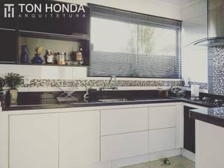 Reforma E.J. por Ton Honda Arquitetura Moderno