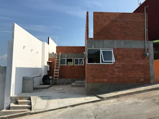 Casa Milagros de Nodo Arquitectos Moderno