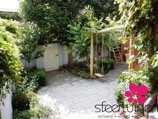 Overview van de ommuurde achtertuin:   door Sfeertuinen