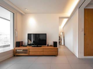 Modern Living Room by 서가 건축사사무소 Modern